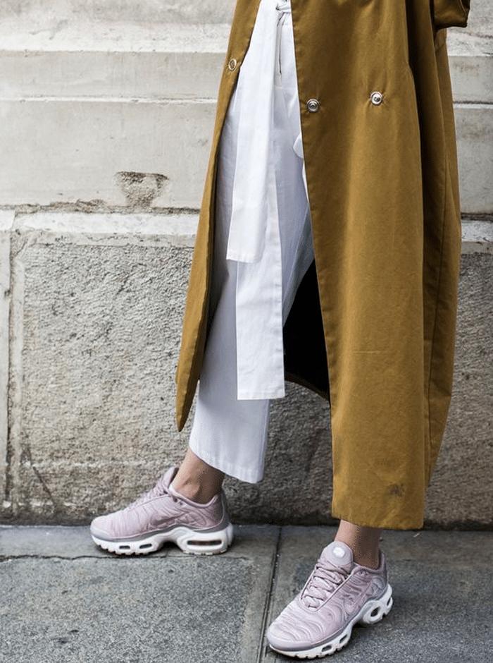 lila Nikes
