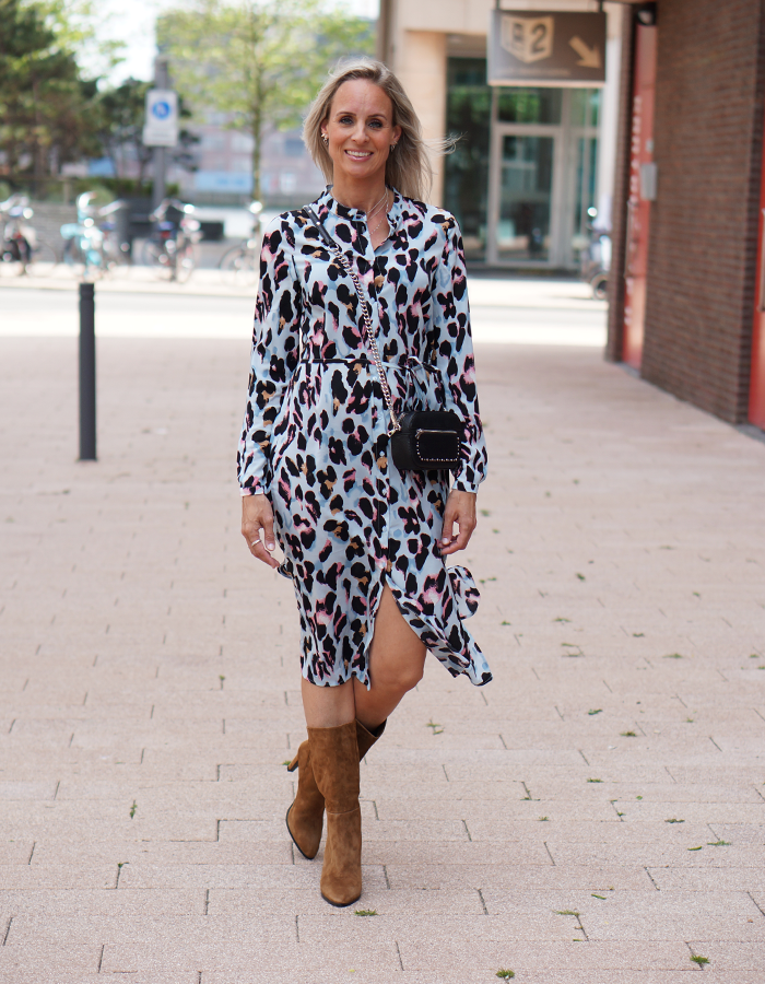 zomerse outfit met midi jurk